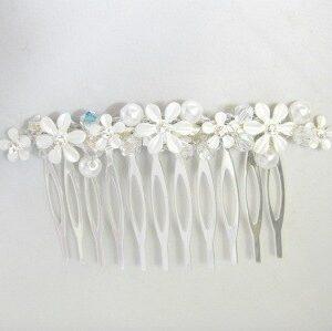 pearl-daisy-comb-WF11813